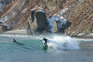 riding winter waves in vladivostok