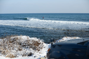 sup surfer car winter vladivostok surfing