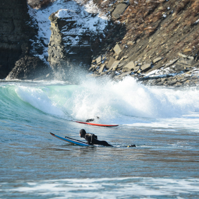 Winter surfing in Vladivostok